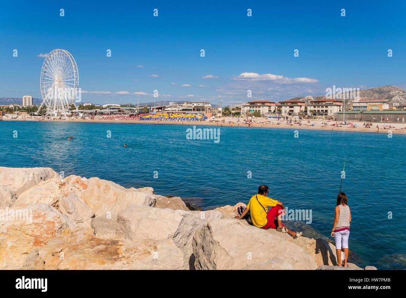 Francia, Bouches du Rhone, Marsella, las playas del Prado, la playa Borely y la rueda grande Imagen De Stock
