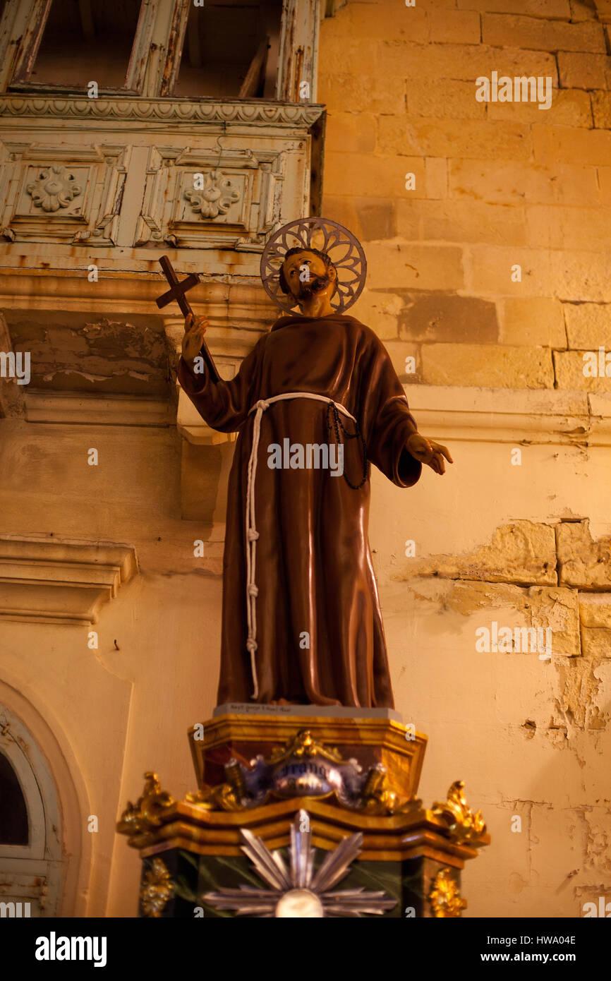 Estatua religiosa en Fontana Gozo Malta erigida para celebrar el destival de Jesús del Sagrado Corazón Foto de stock