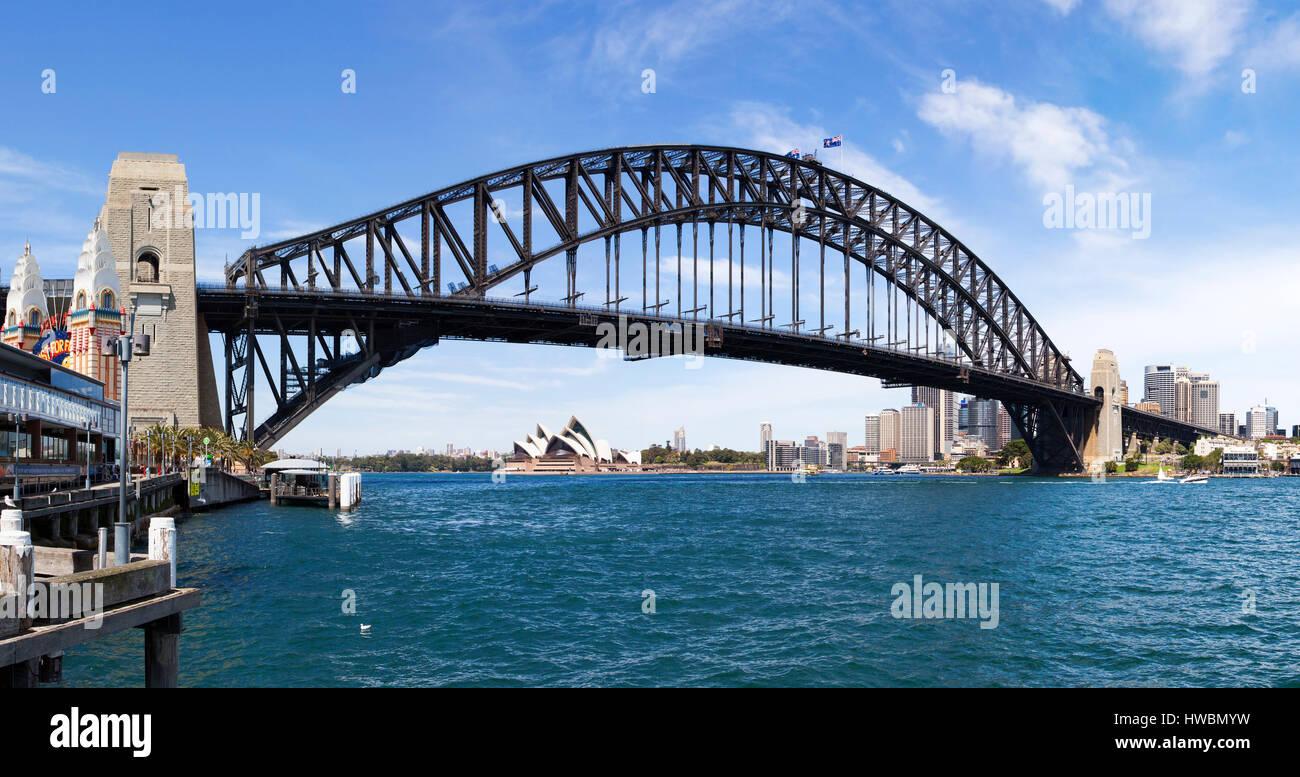 Sydney Opera House y el Puente Harbour, Sydney, Australia. Foto de stock