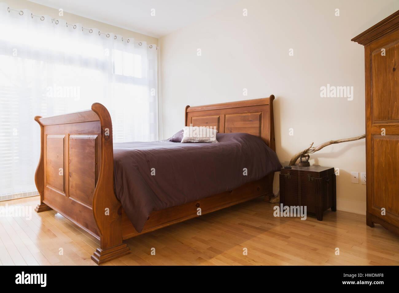 Queen Size Bed Imágenes De Stock & Queen Size Bed Fotos De Stock - Alamy