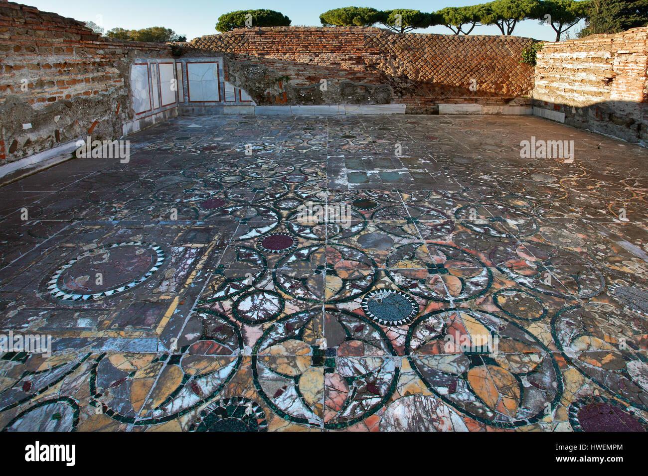 Italia Lacio Ostia Antica Domus - Cupido y psique pavimento en opus sectile Imagen De Stock
