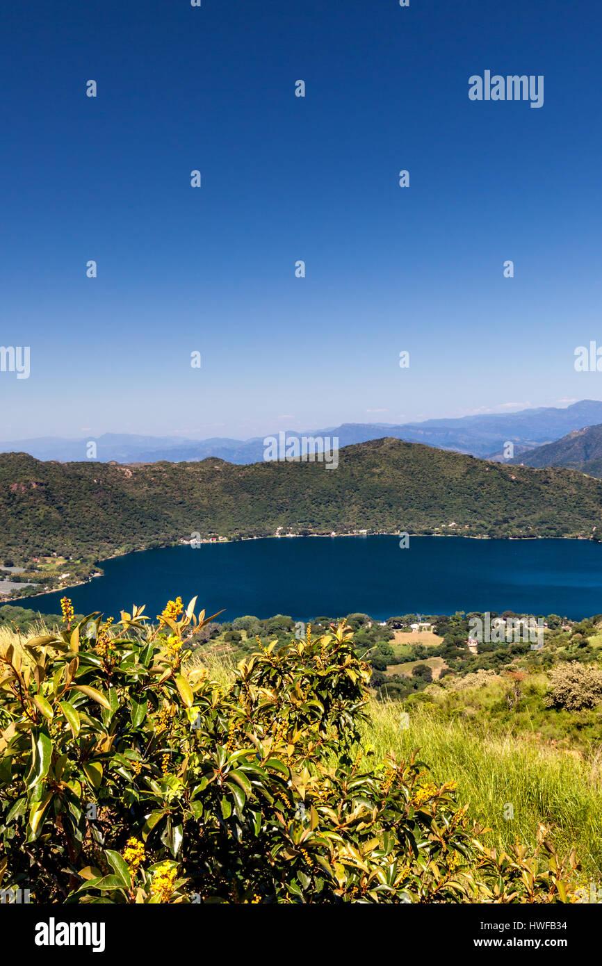 El lago de Santa María del Oro en Nayarit, México. Imagen De Stock