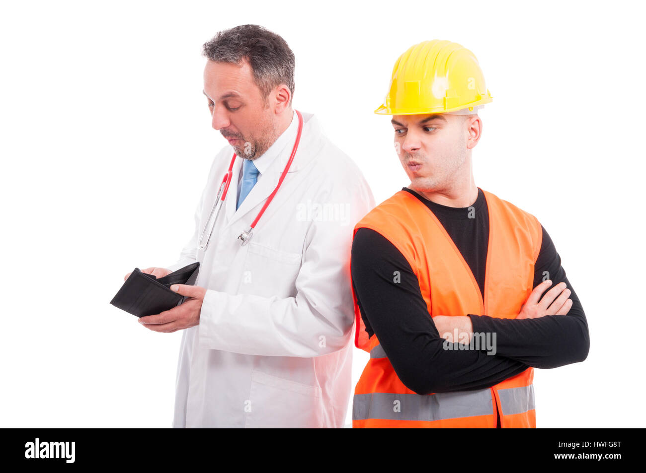 Medic buscando constructores de comprobación de contenido monedero y constructor está enojado o enojada Imagen De Stock
