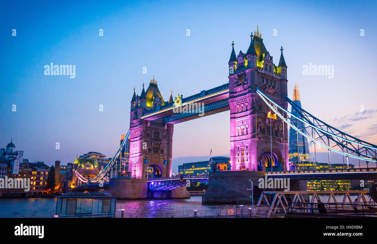 Tower Bridge de Londres Imagen De Stock