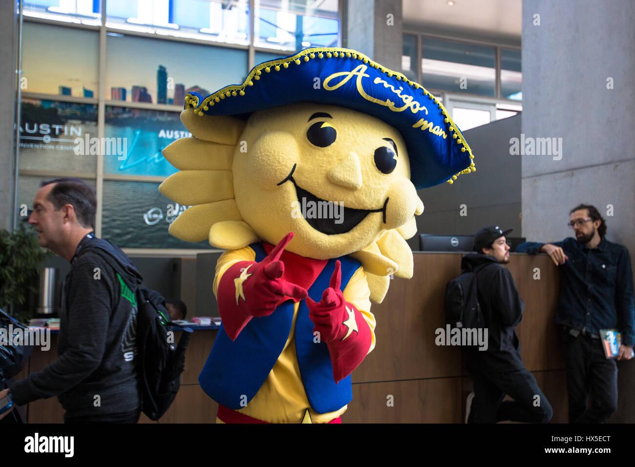 El Paso mascota, amigo hombre, en el Centro de Convenciones de Austin durante el SXSW. Imagen De Stock