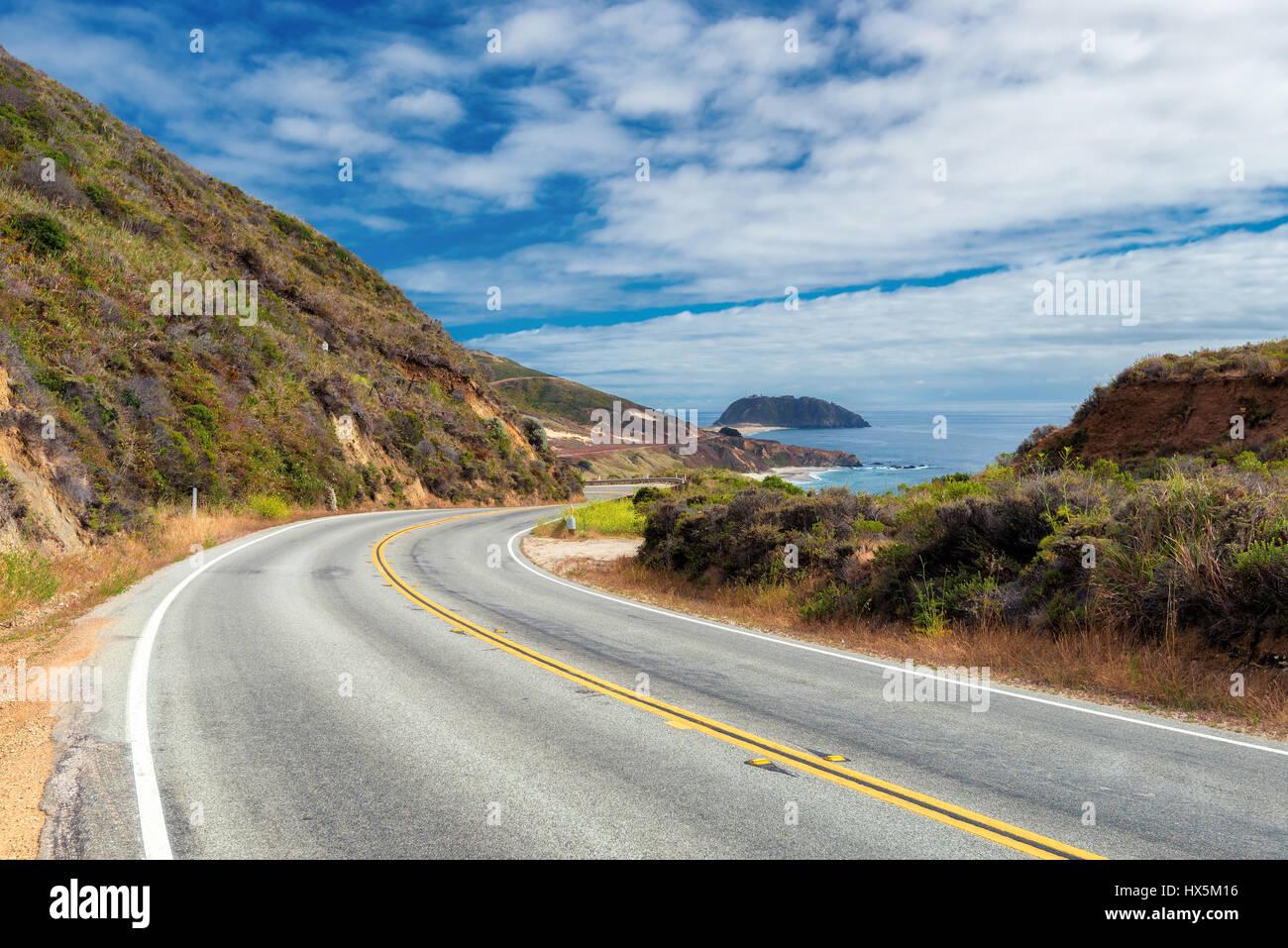 Pacific Coast Highway (Highway 1) en el extremo sur de Big Sur, California Imagen De Stock