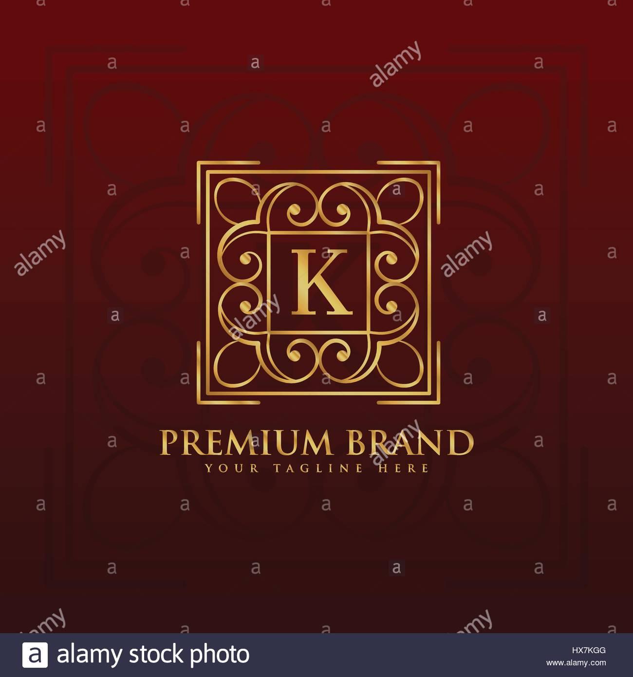 7297fb8136 Emblema de oro monograma diseño de logotipo para la letra K Imagen De Stock