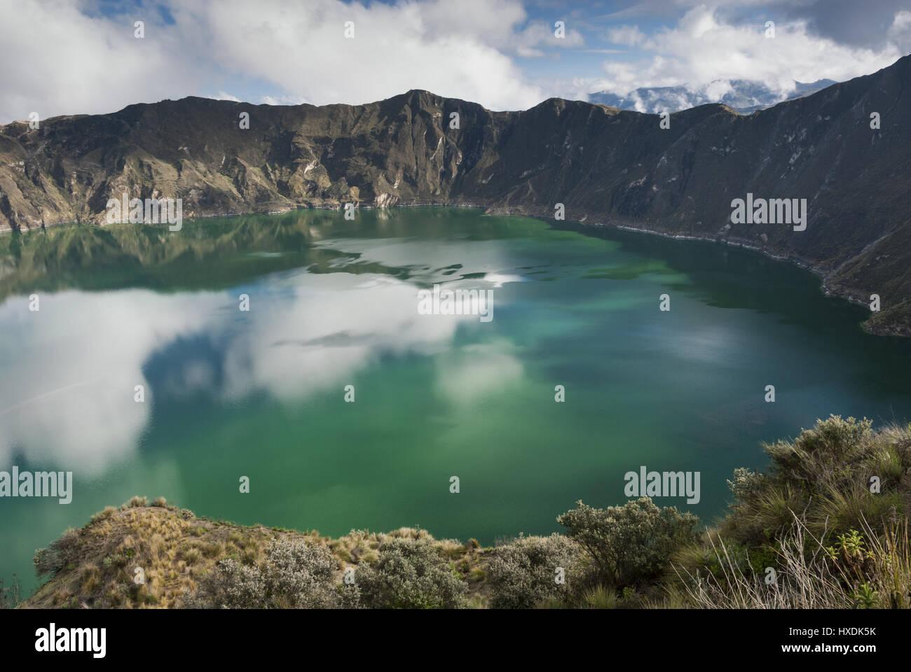 Ecuador, Quilitoa, Crater Lake Imagen De Stock