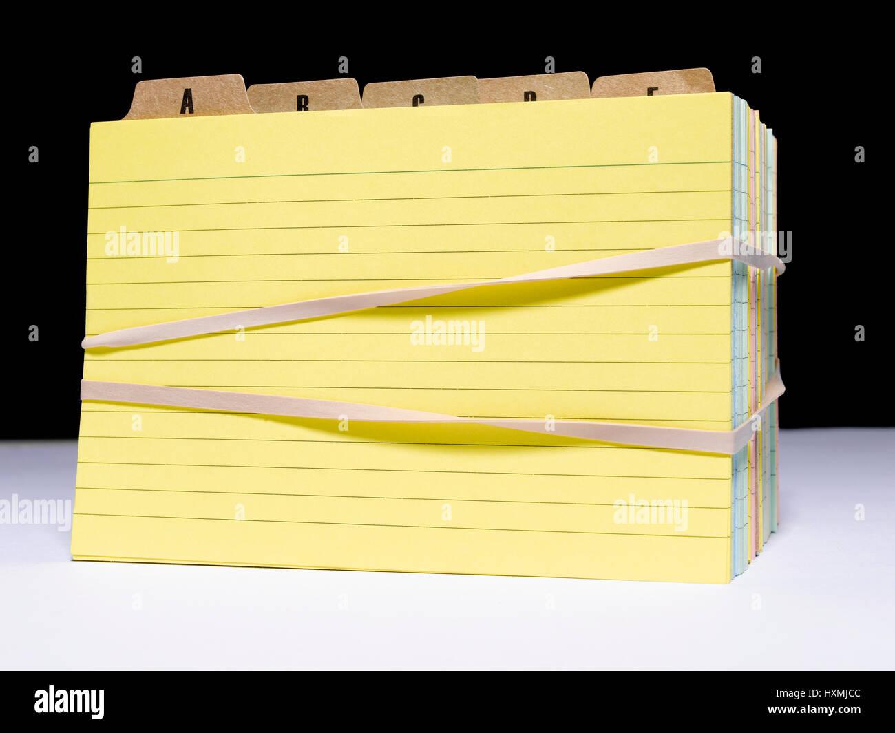 Tarjeta de índice con bandas de goma Foto de stock
