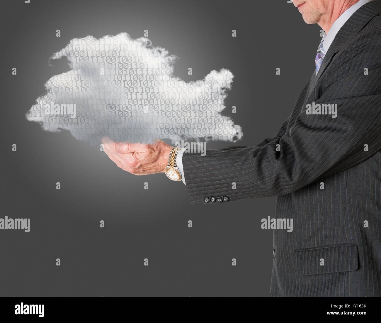 Cloud Computing y el concepto de almacenamiento en la nube Imagen De Stock