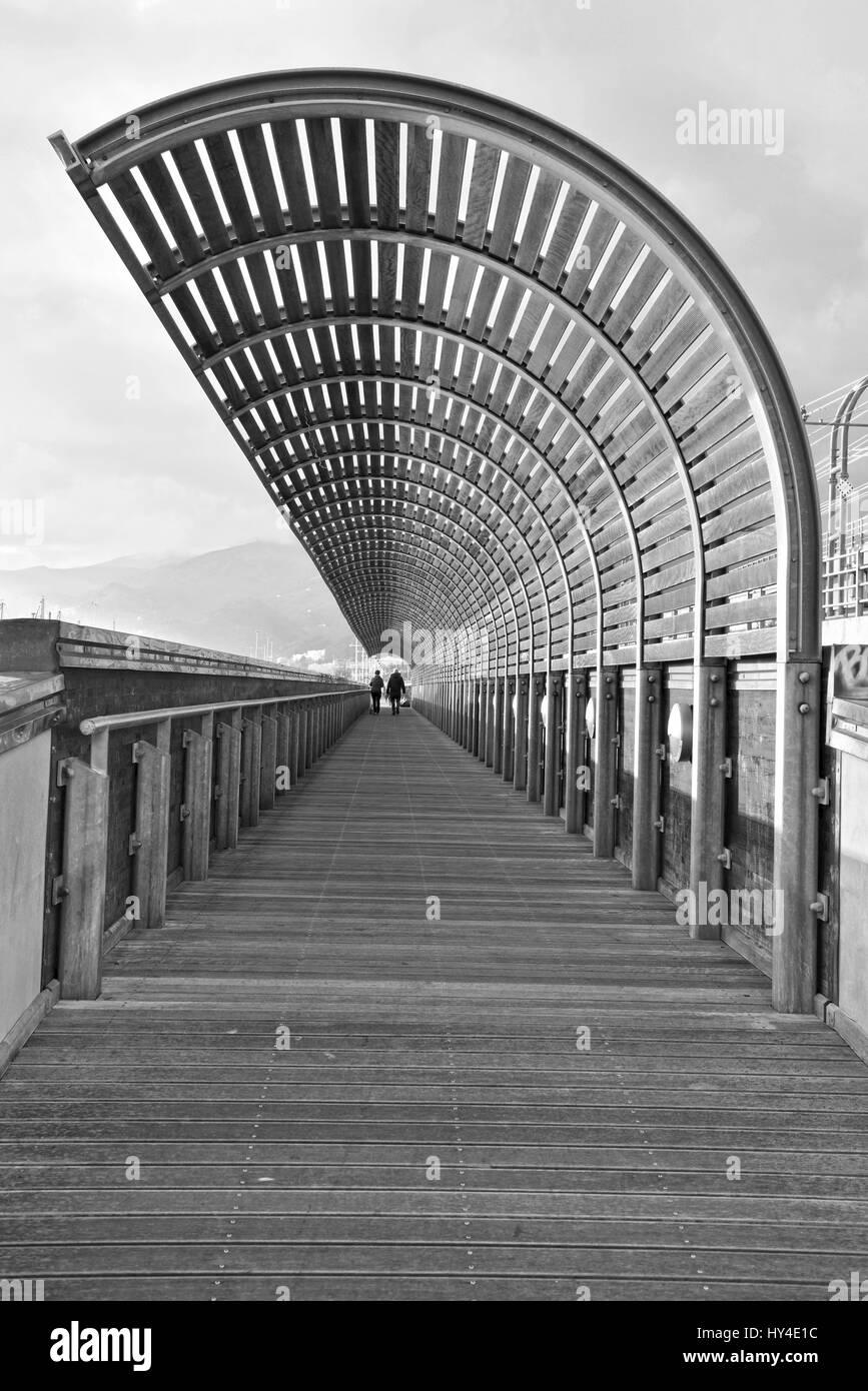 Calma Pra canal Génova Voltri - zona de amortiguamiento Foto de stock