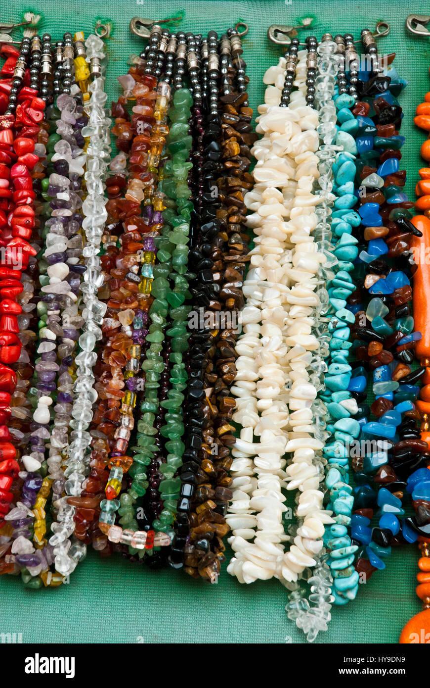 6c73dc774326 Mercadillo - Souvenirs - Moda - Accesorios - coloridos y diferentes piezas  de joyería  collares