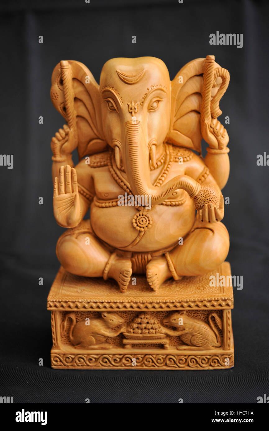 Ganesh estatua tallada de sándalo, Jaipur, Rajasthan, India Foto de stock