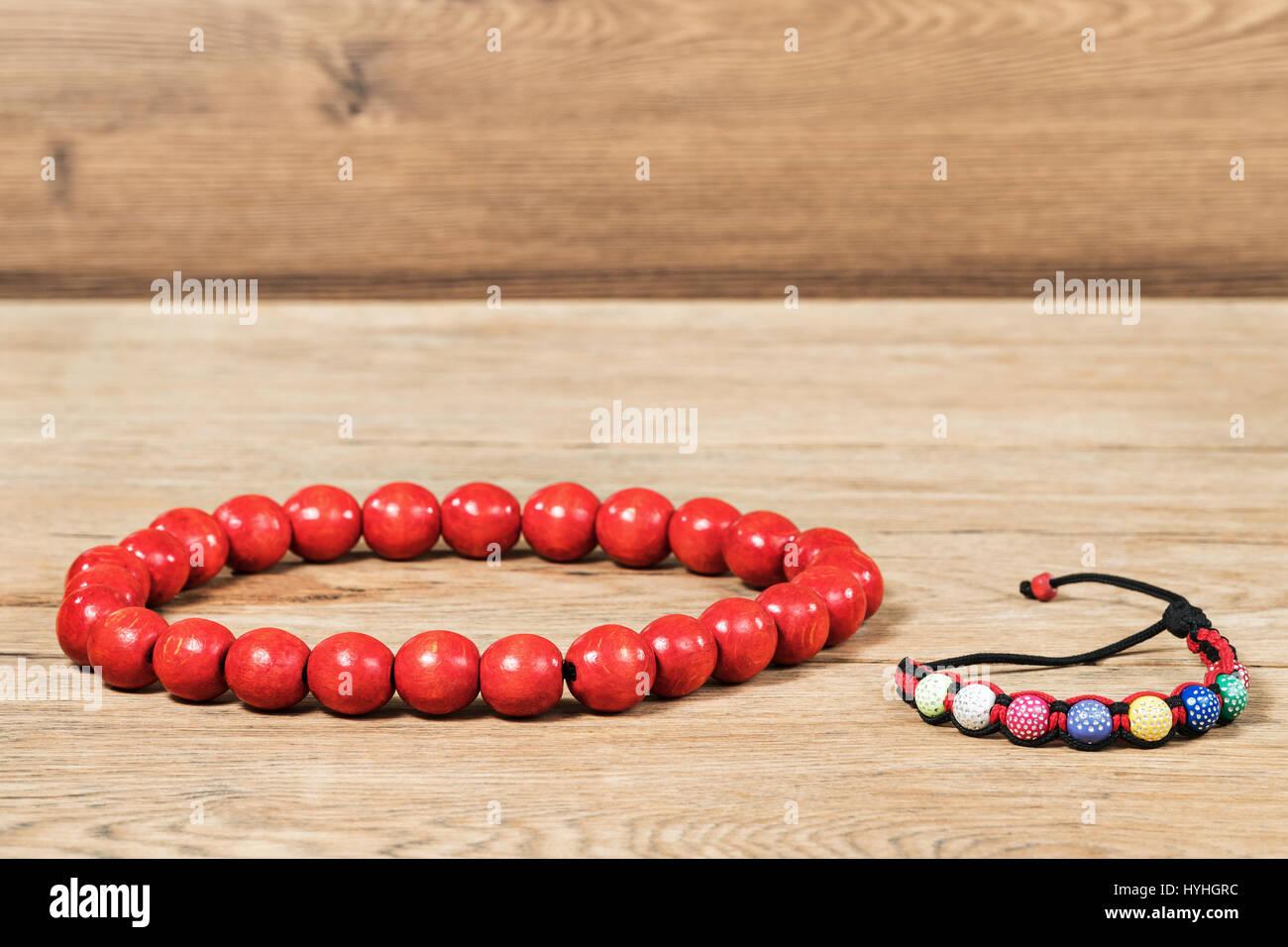 5b99d270b64c Wooden Bangle Beads Imágenes De Stock   Wooden Bangle Beads Fotos De ...