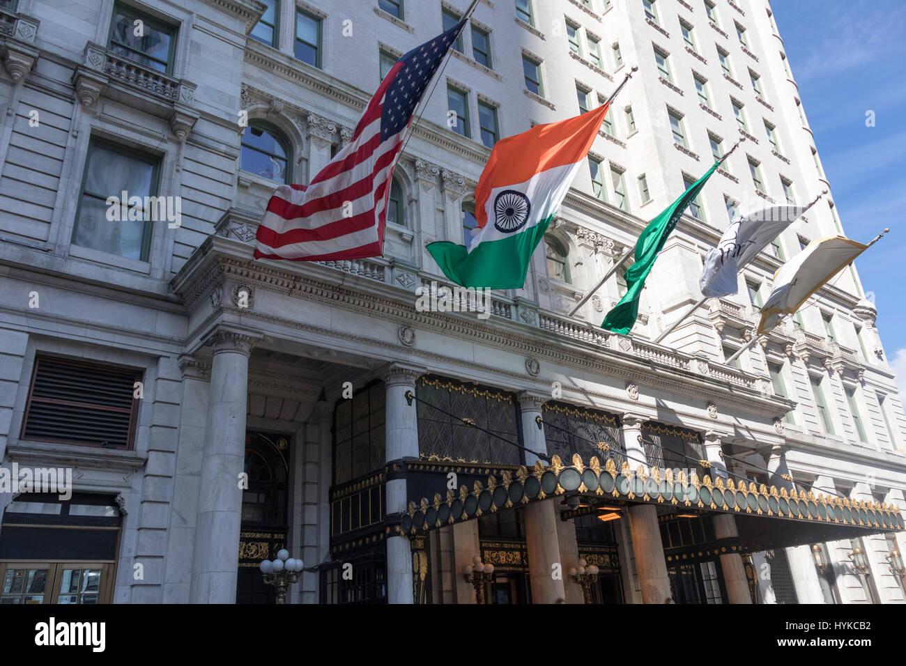 De entrada, el Hotel Plaza, Manhattan, Ciudad de Nueva York Imagen De Stock