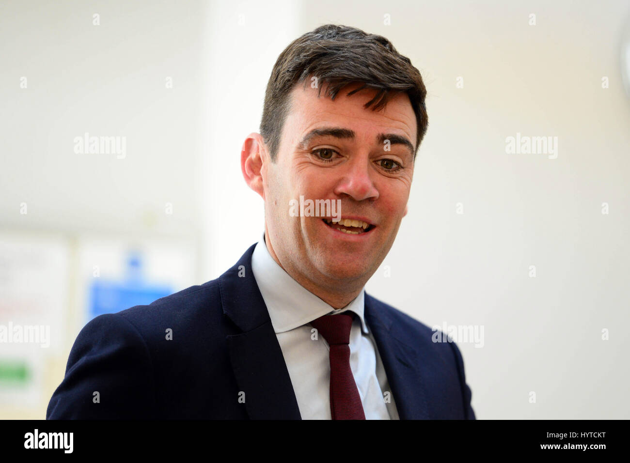 Liderazgo laboral contendiente Andy Burnham se dirige a un auditorio en Edimburgo Foto de stock