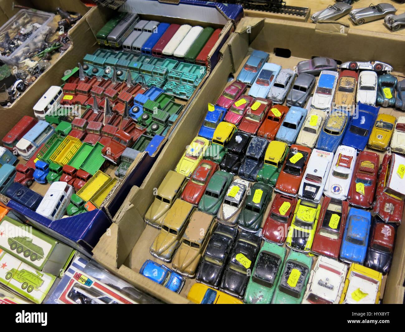 Coches Juguetes Una Selección Raros Usados Los Y De Coleccionables nyv8wOmN0P