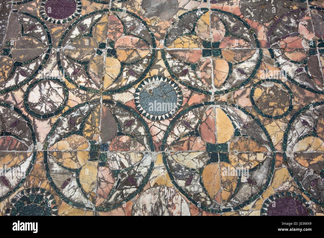 Roma. Italia. Ostia Antica. Opus sectile planta decorativa, la Casa de cupido y psique siglo IV DC. Imagen De Stock