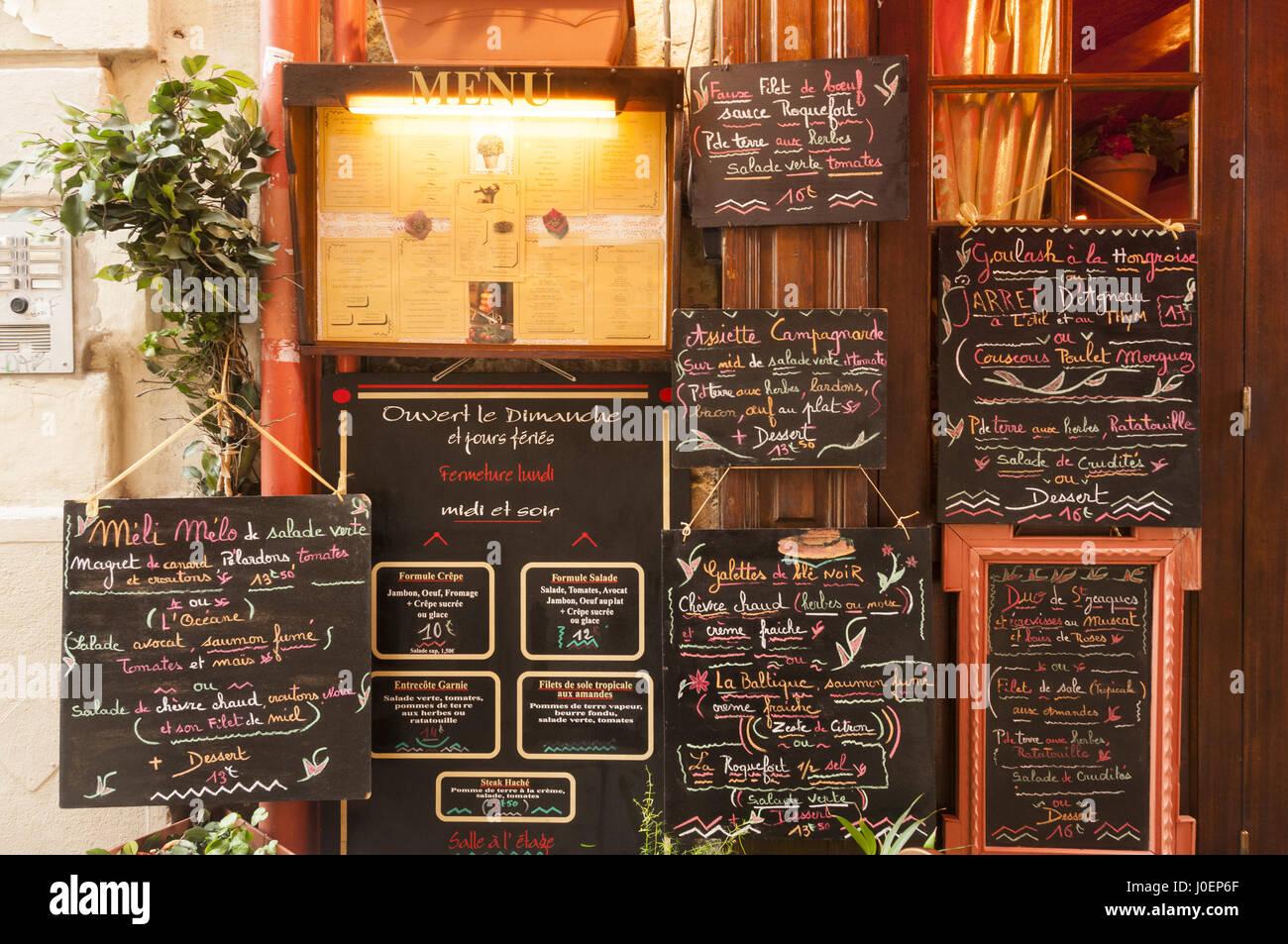 Francia, Montpellier, restaurante acera junta menú Imagen De Stock