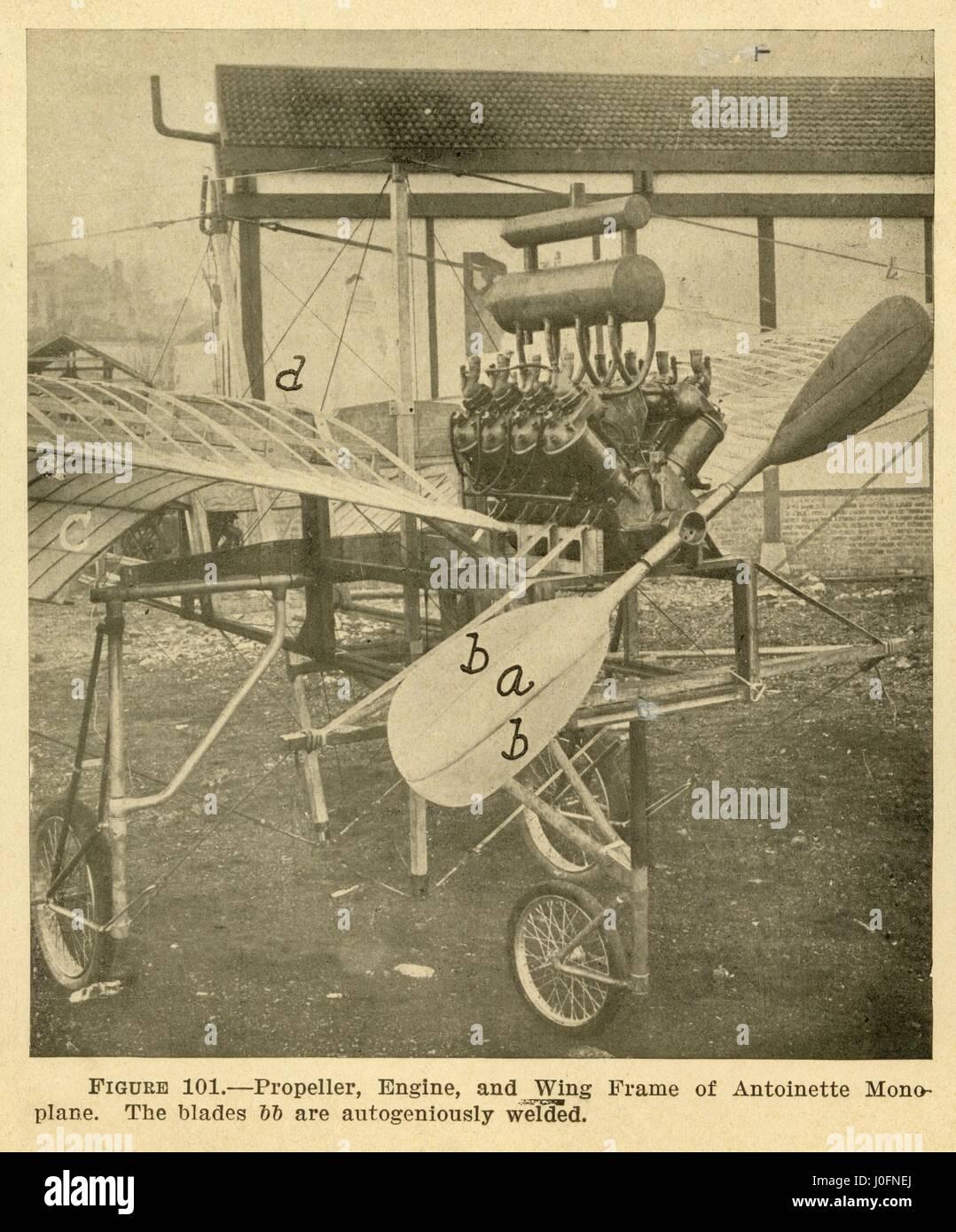 Hélice, motor y bastidor del ala de un monoplano Antoinette Foto de stock