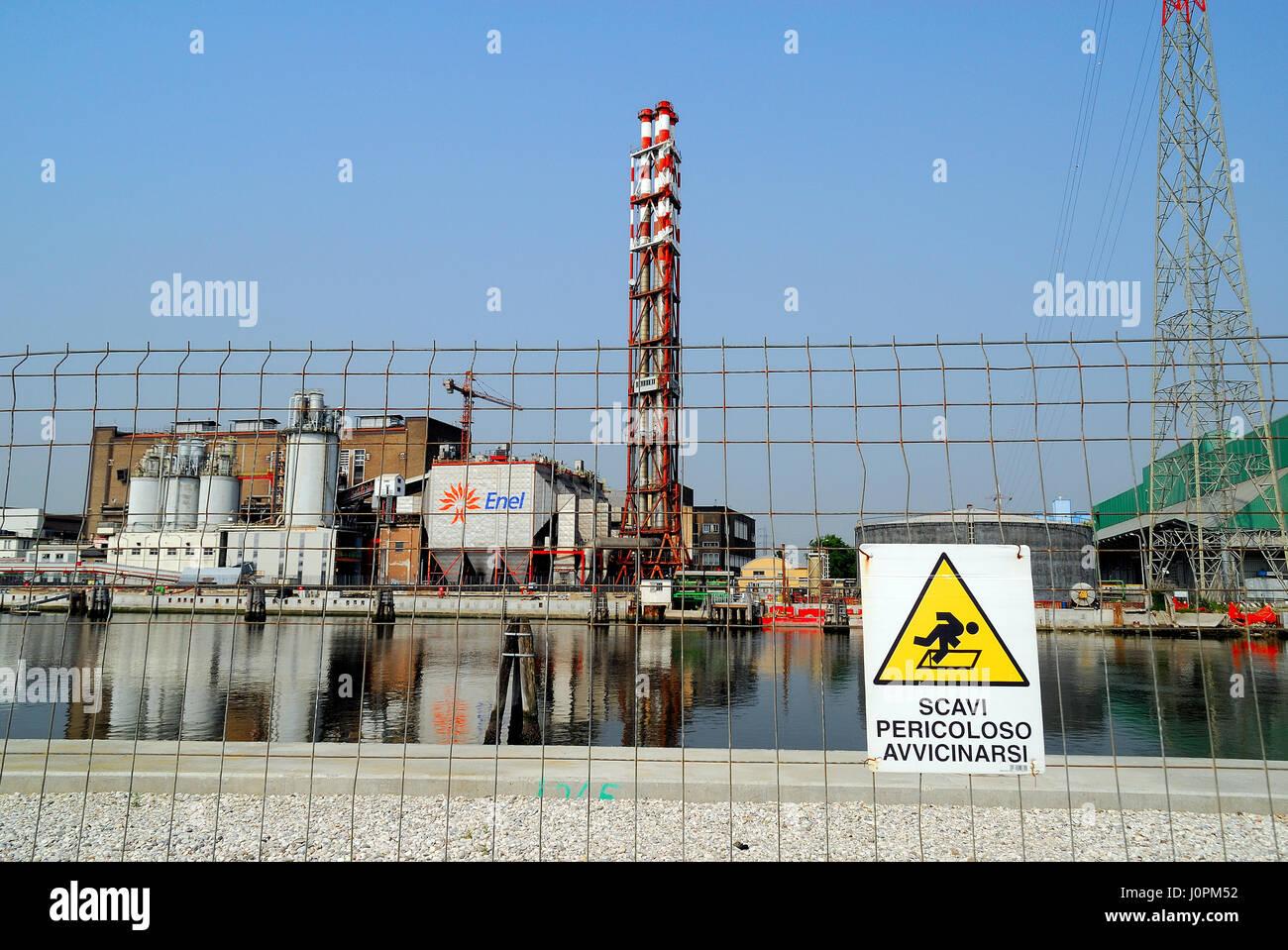 La primera planta de energía de tamaño industrial impulsado por hidrógeno en el mundo es puesto en Imagen De Stock