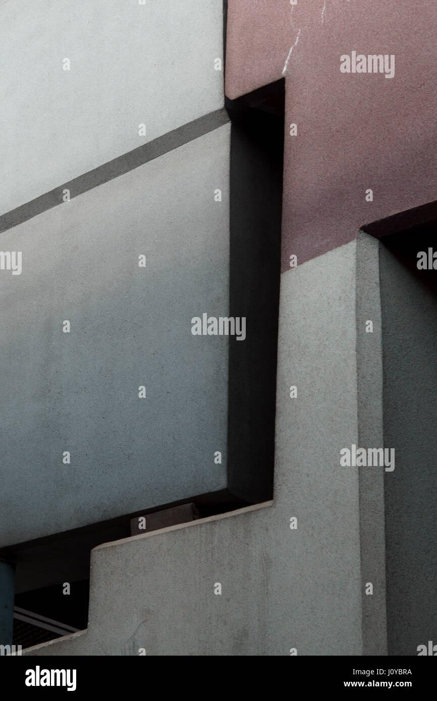 Edificio de arquitectura de líneas abstractas en primer plano Imagen De Stock