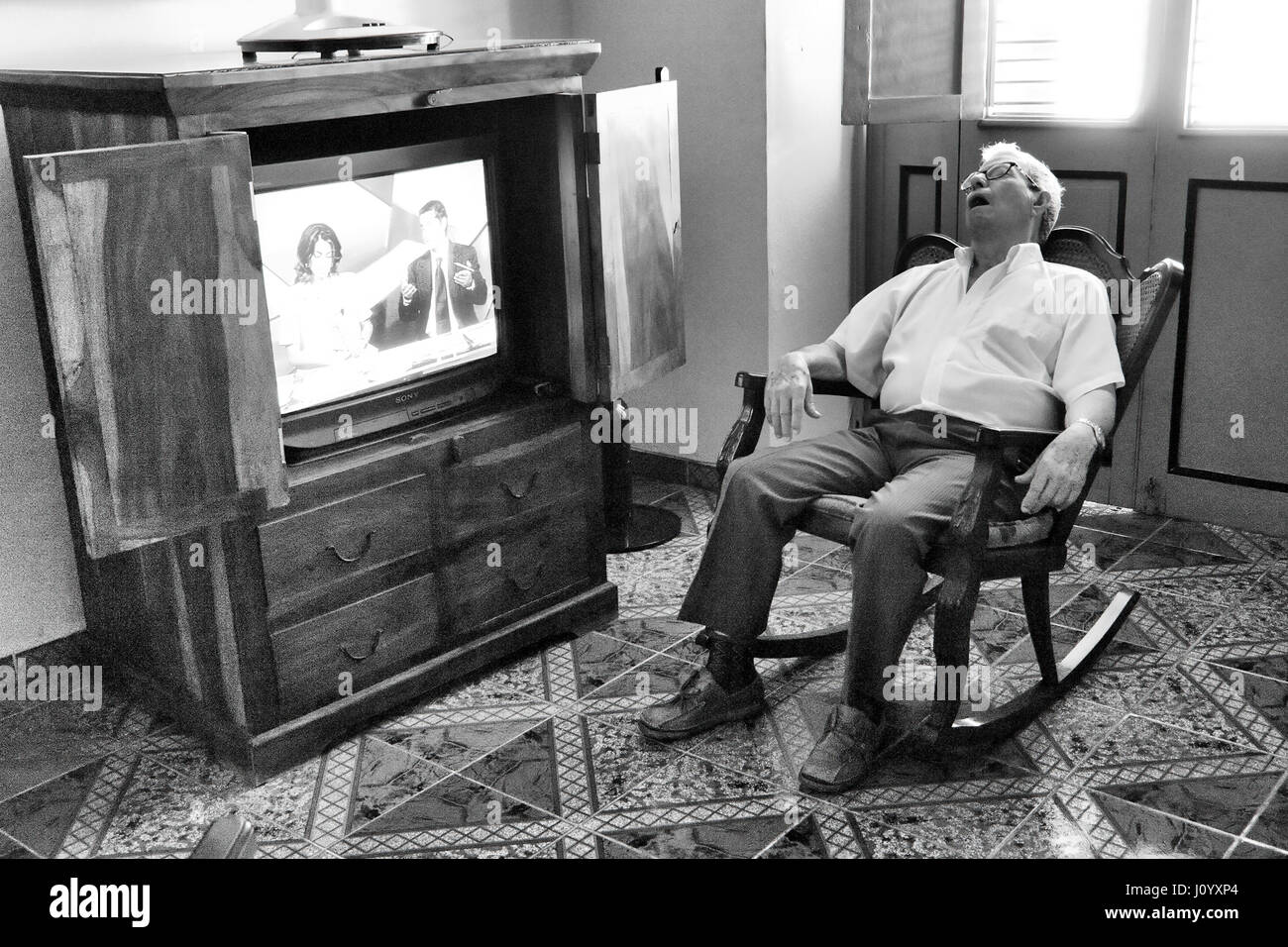Picture of: Old Man In Rocking Chair Fotos E Imagenes De Stock Alamy