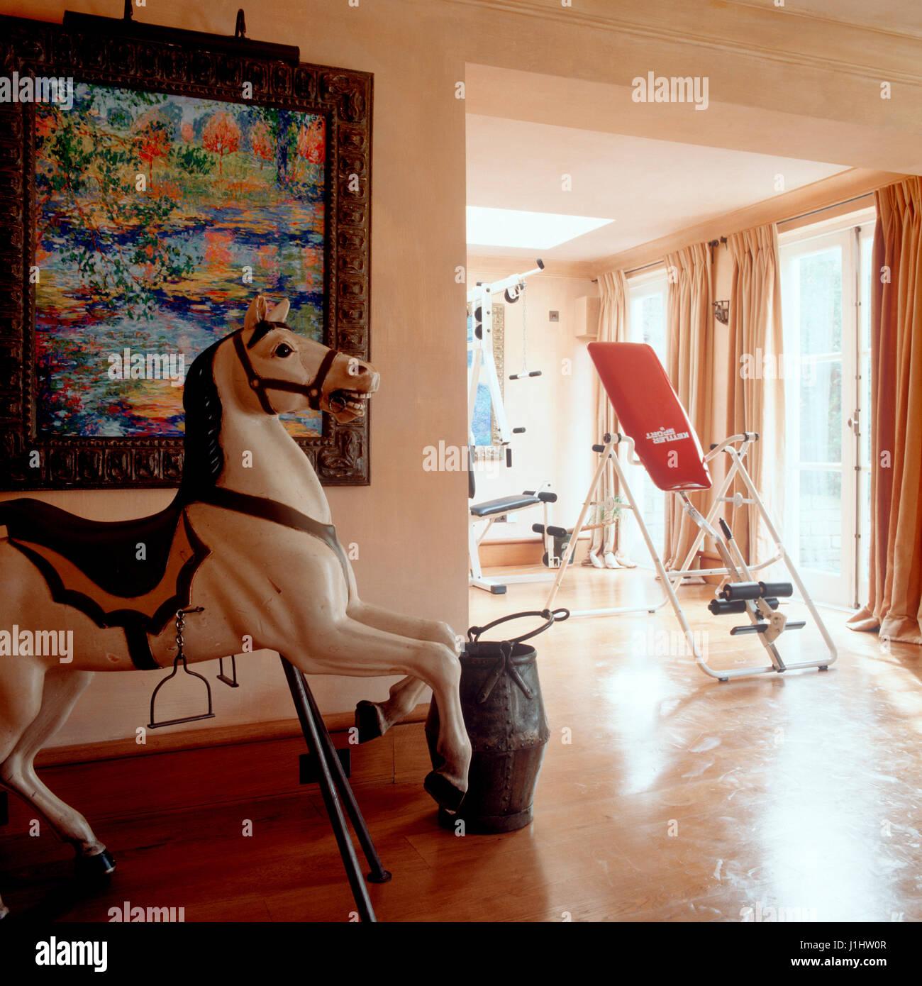 Rocking Horse y equipo de ejercicio. Imagen De Stock