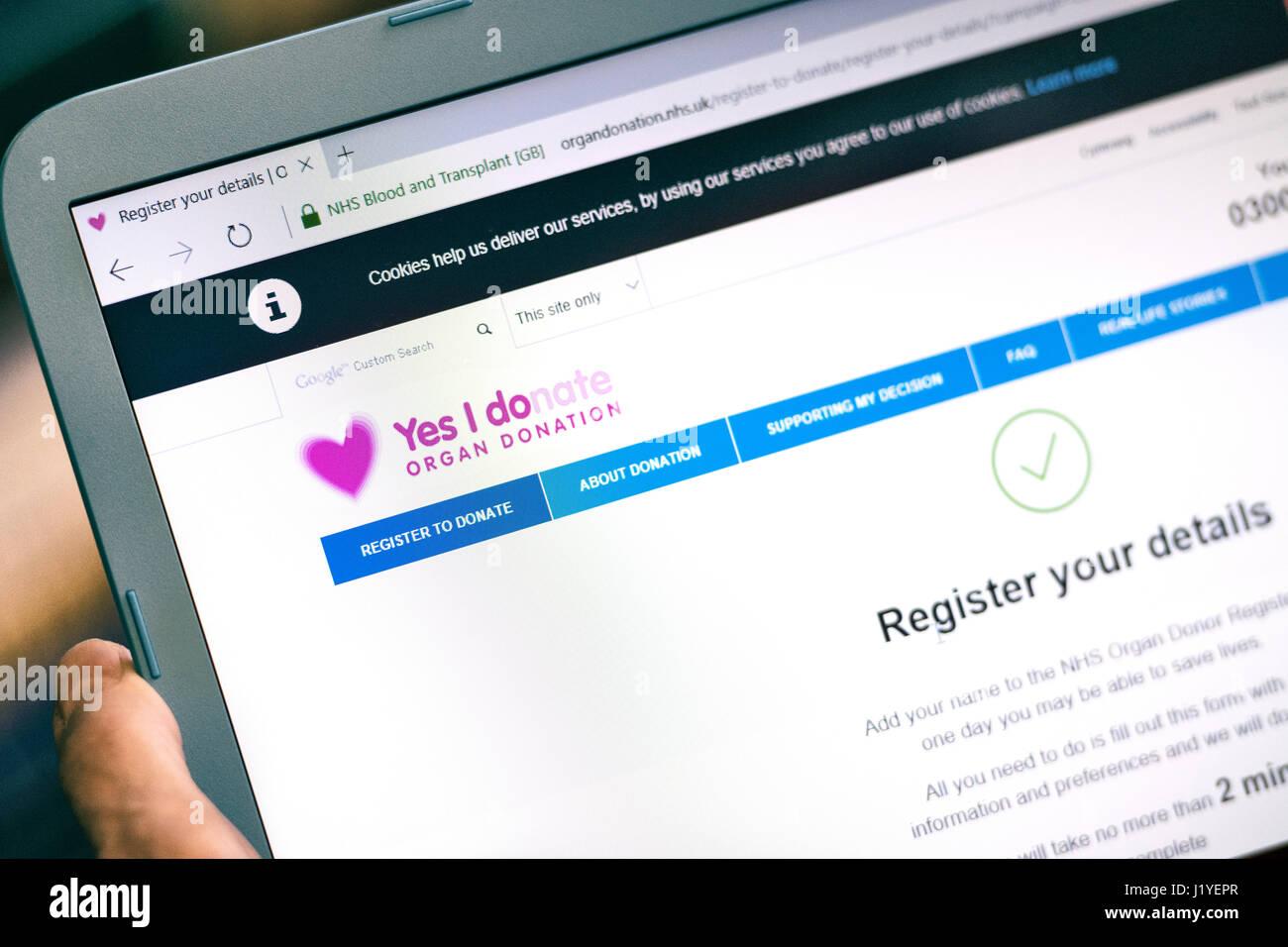 La donación de órganos, sangre y trasplante Registro Registro NHS online website, página web Imagen De Stock