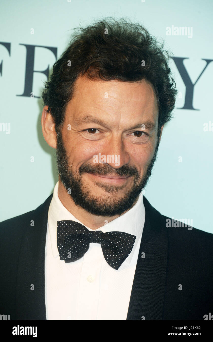 Dominic West atiende Tiffany & Co celebra el 2017 Blue Book Collection en St. Ann's Warehouse el 21 de abril Imagen De Stock