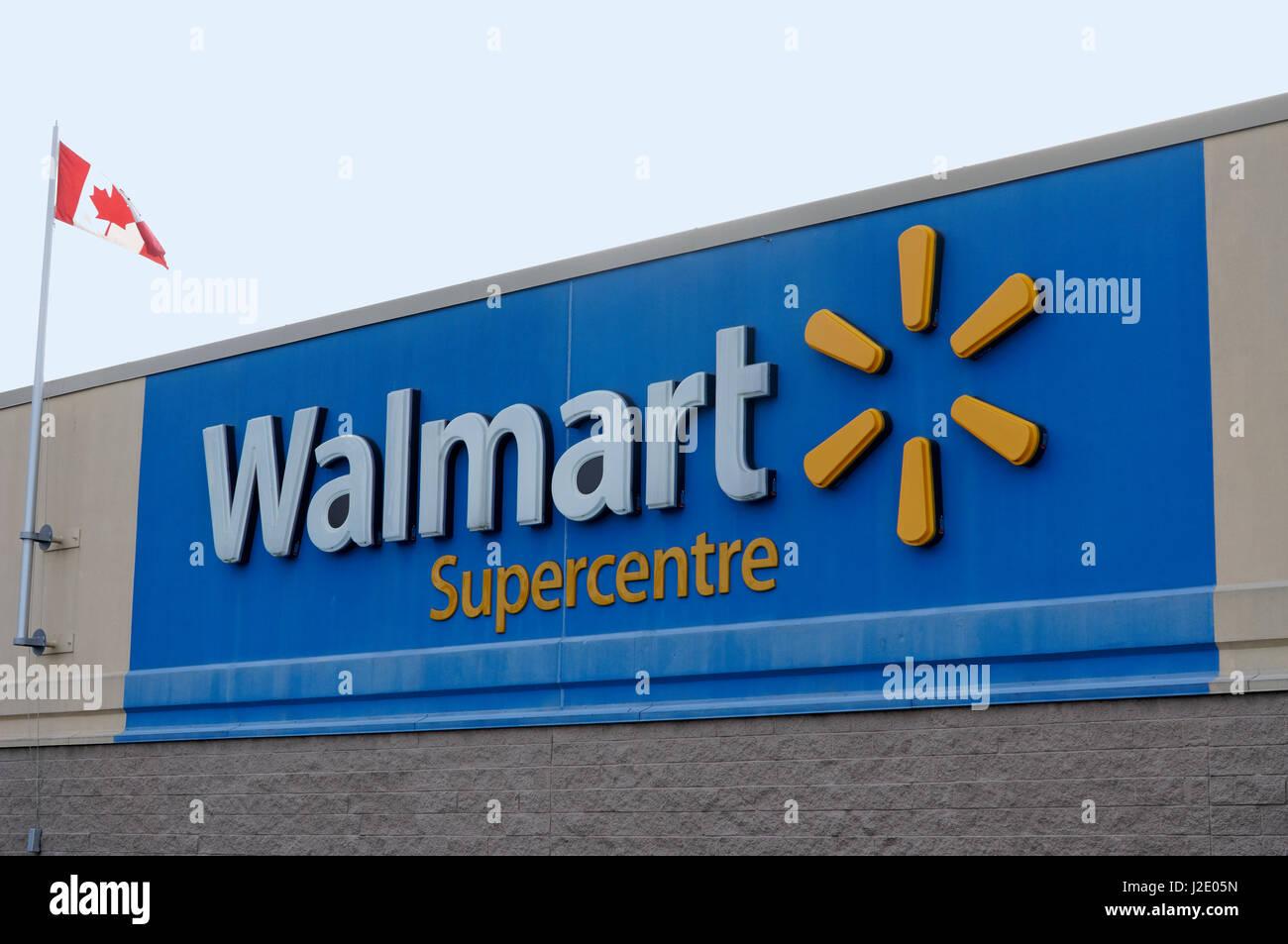 Walmart Supercenter Imágenes De Stock & Walmart Supercenter Fotos De ...