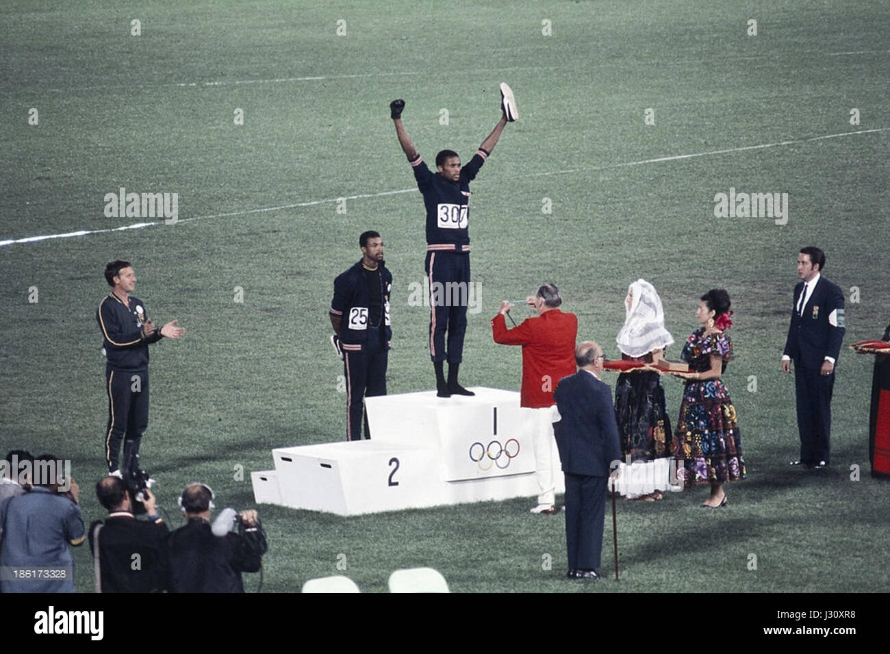 Peter Norman, Juan Carlos, Tommie Smith 1968 Fotografía de stock ...