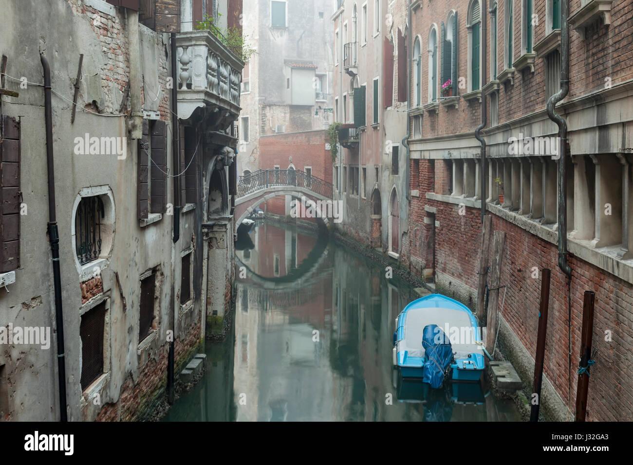Misty mañana en el distrito de San Marcos de Venecia. Imagen De Stock