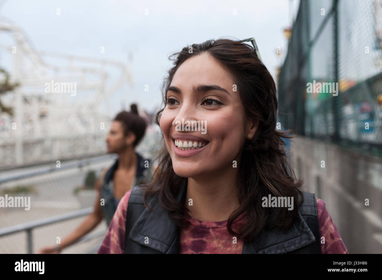 Retrato de una joven y bella mujer Imagen De Stock