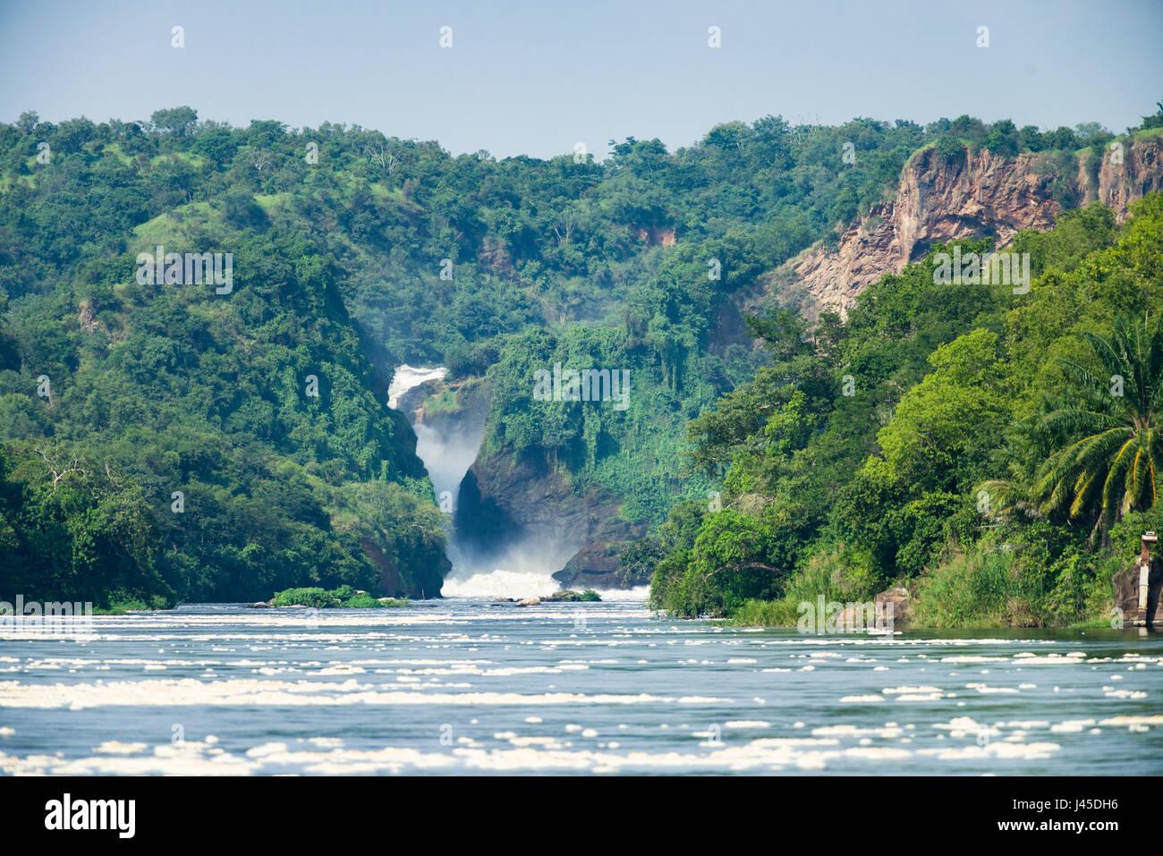 Murchison Falls y el Nilo Victoria fluyendo a través de ti, Uganda Imagen De Stock