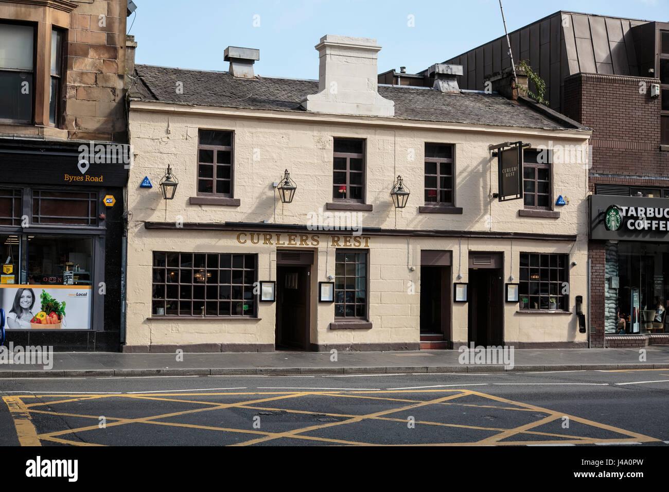Uno de los pubs más famosos de Glasgow, el rulo resto encontrado en la mitad de Byres Road, en el extremo oeste Imagen De Stock