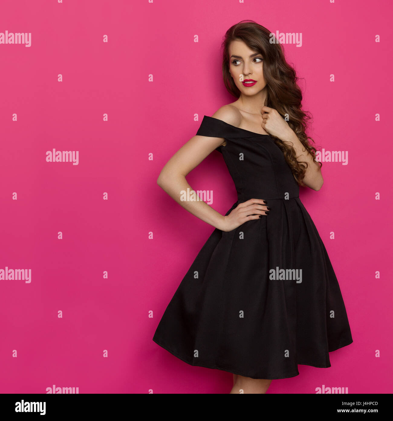 Contemporáneo Vestidos De Las Damas Negro Y Rosa Modelo - Colección ...
