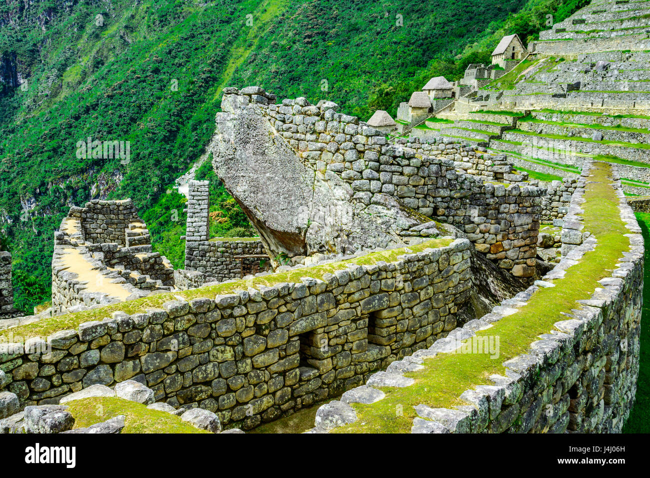 Condor templo Machu Picchu, ruinas Incas en los Andes peruanos, a Cusco Peru Foto de stock
