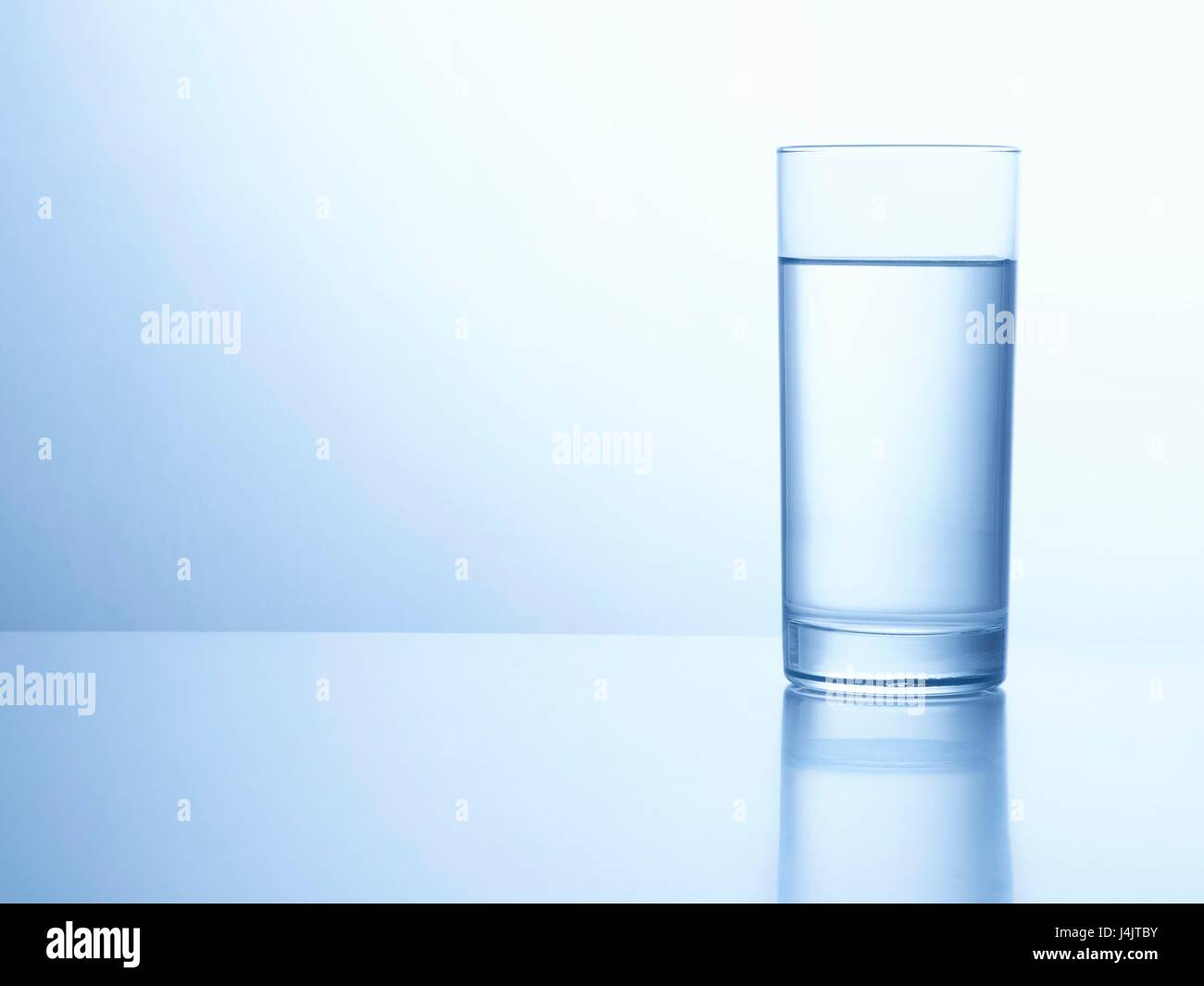Vaso de agua, Foto de estudio. Imagen De Stock