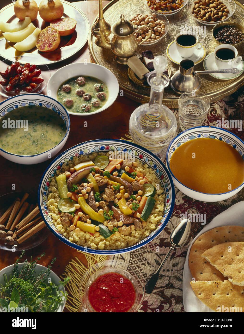 Alimentos, en árabe, el cuscús de cordero, espinacas, sopa de pan de ...