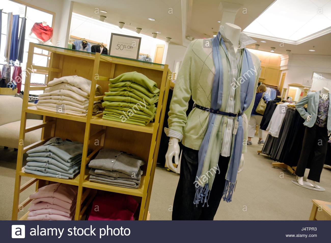 Palm Beach Gardens Los Jardines Florida Mall Talbots marca tienda negocios  mostrar la moda ropa de 4ac9d11c0c48