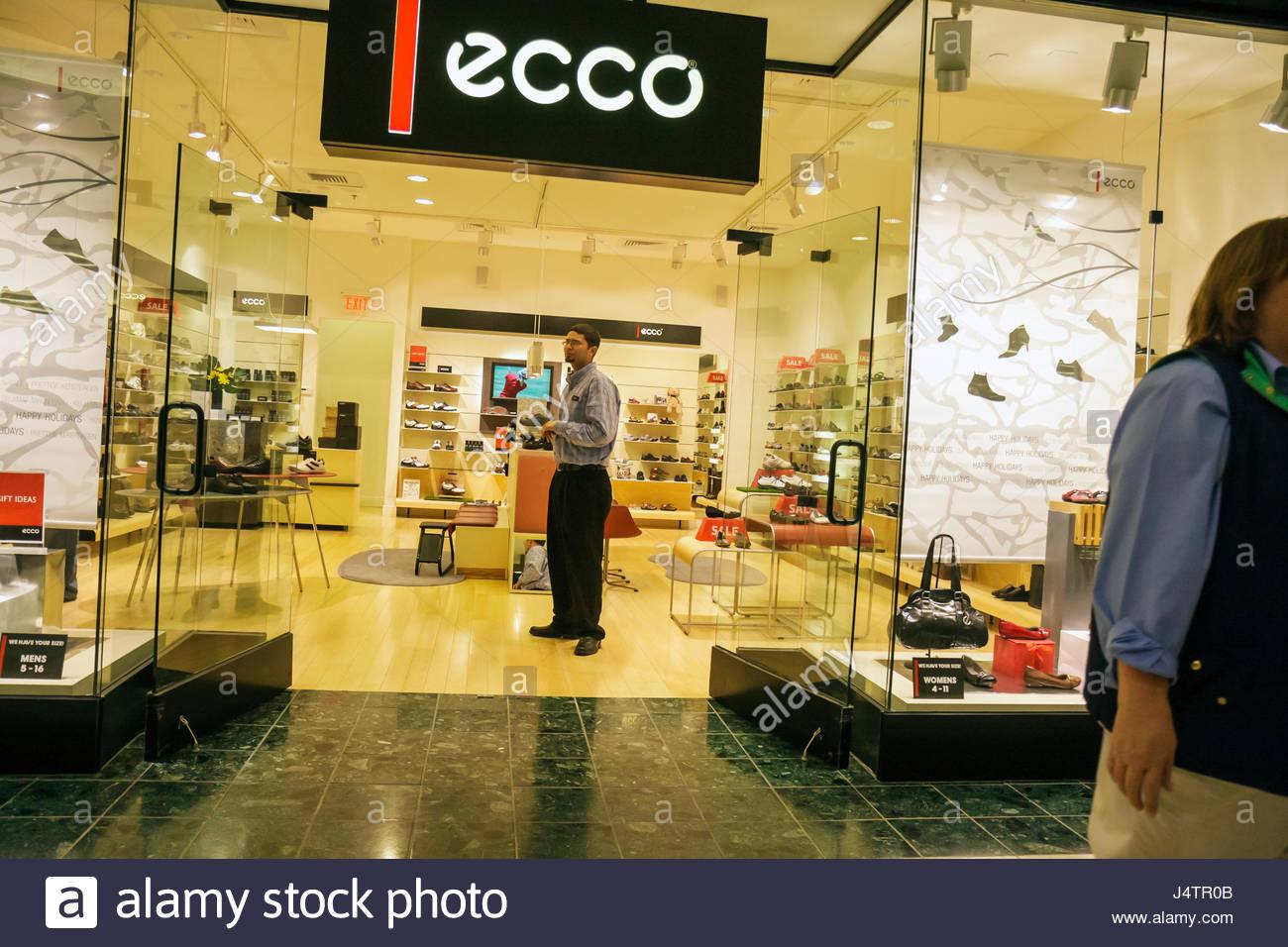 3eae320b3 Palm Beach Gardens Los Jardines Florida Mall tienda negocios tiendas  calzado zapatos ecco ventana de entrada hombre vendedor empl
