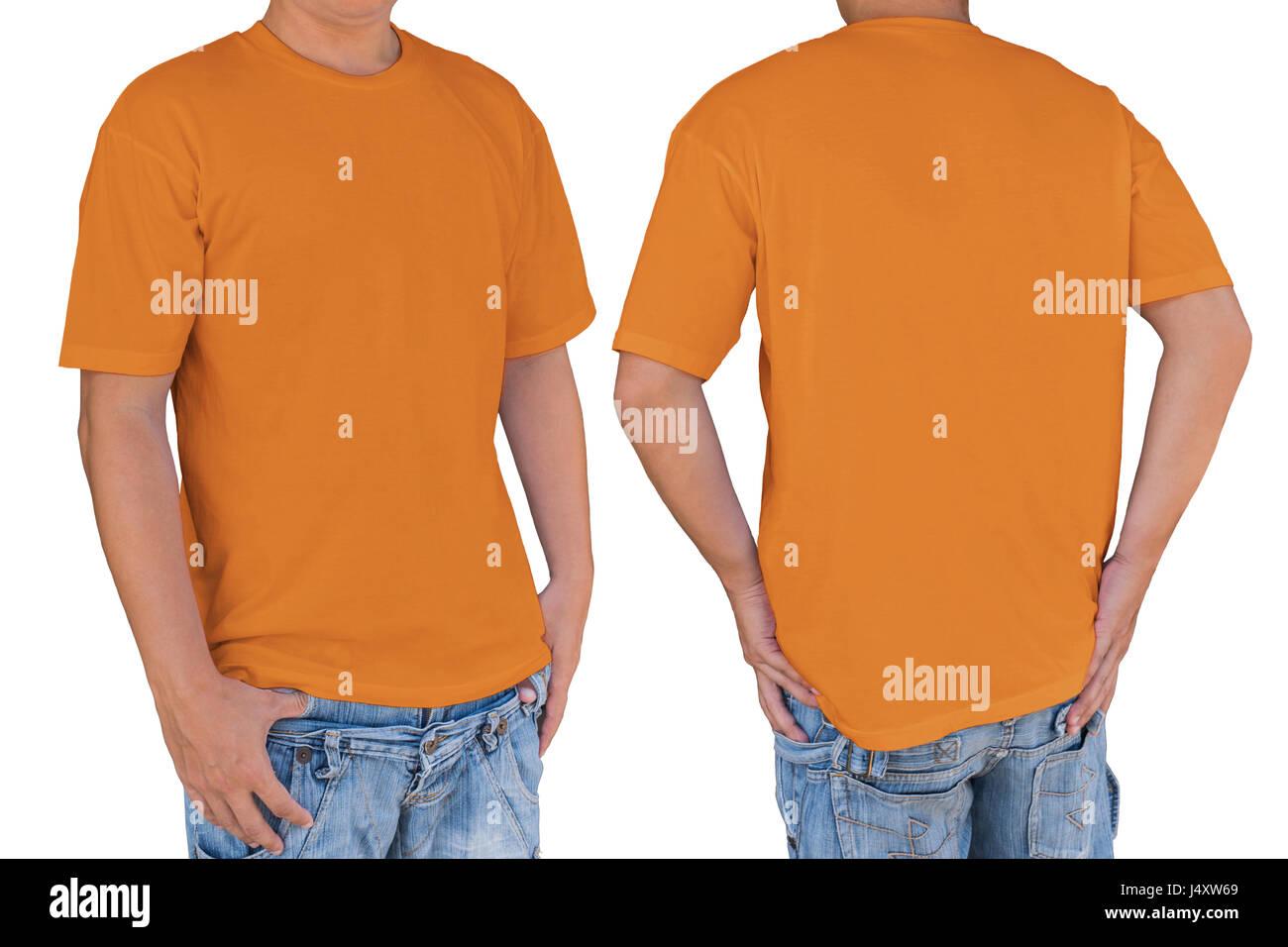 Hombre vestidos de blanco camiseta naranja brillante con trazado de ...