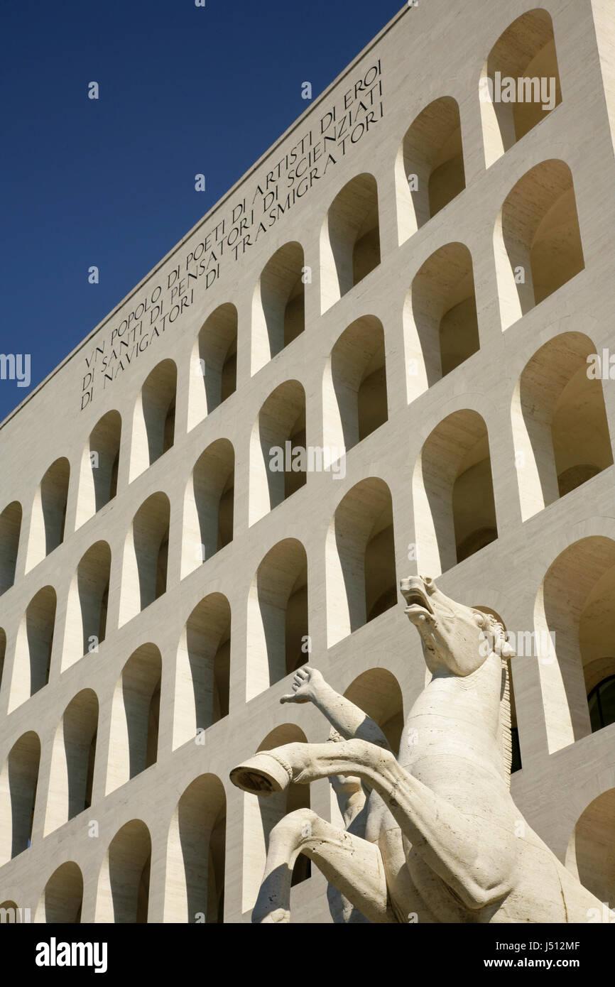 Él 1937 Palazzo della Civiltà Italiana o el Palazzo della Civiltà del Lavoro o Colosseo Quadrato Imagen De Stock