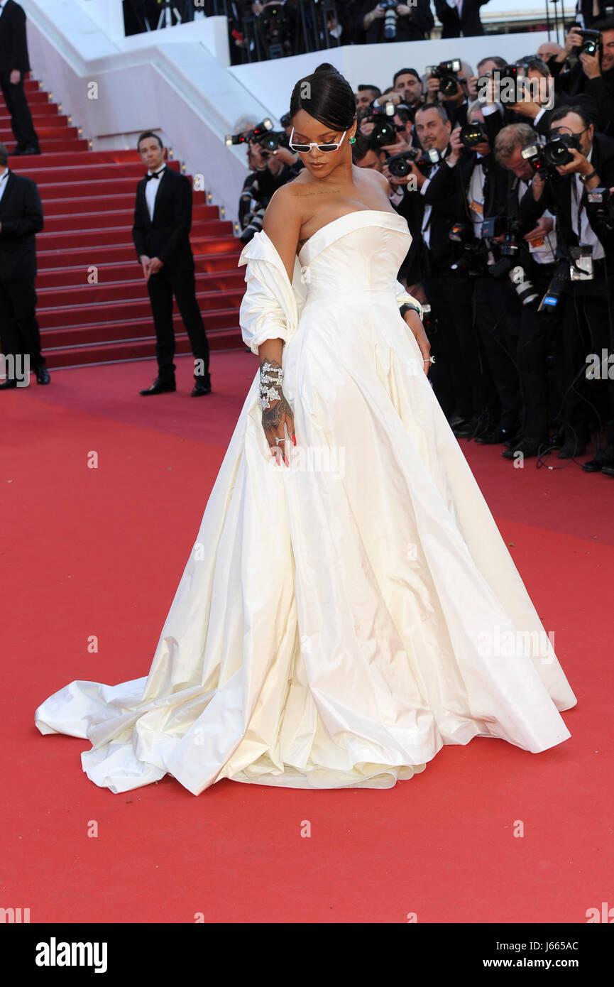 "70ª edición del Festival de Cannes 2017, la película 'Okja Alfombra Roja"". Foto : Rihanna Imagen De Stock"
