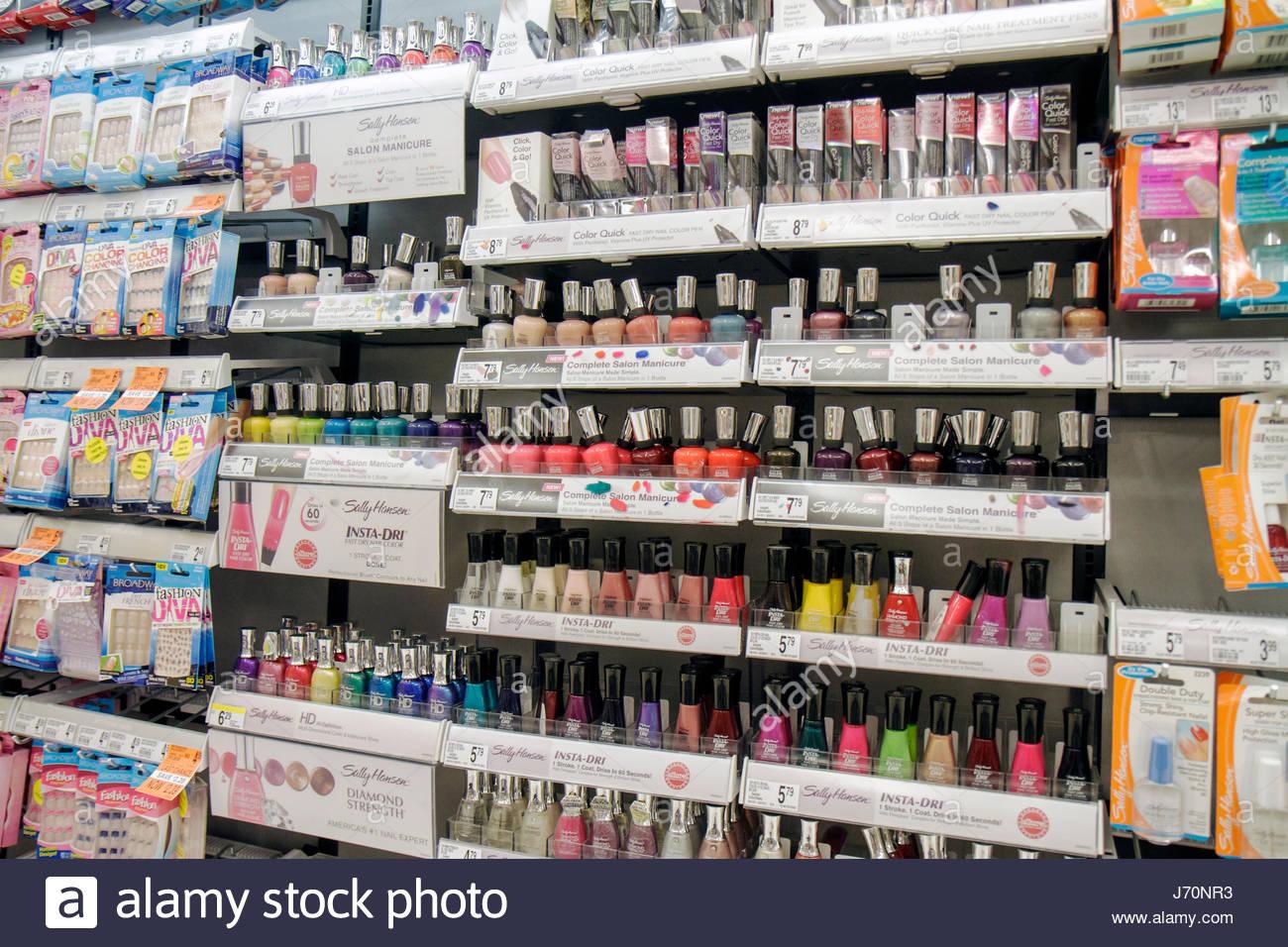 Miami Beach, Florida, Walgreens pharmacy drug store tiendas ...