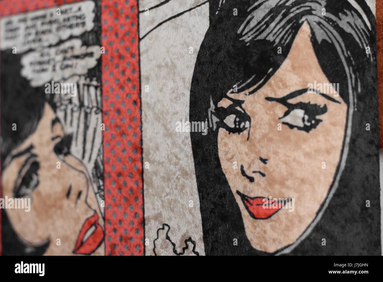 Una chica abstracta pintura en la pared. Imagen De Stock