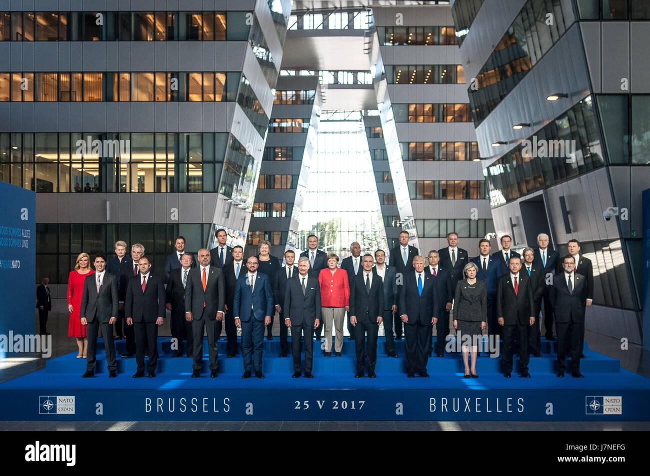 Bruselas, Bélgica. 25 de mayo de 2017. Foto oficial en el nuevo edificio de la OTAN Crédito: Julien Mattia/Zuma Imagen De Stock