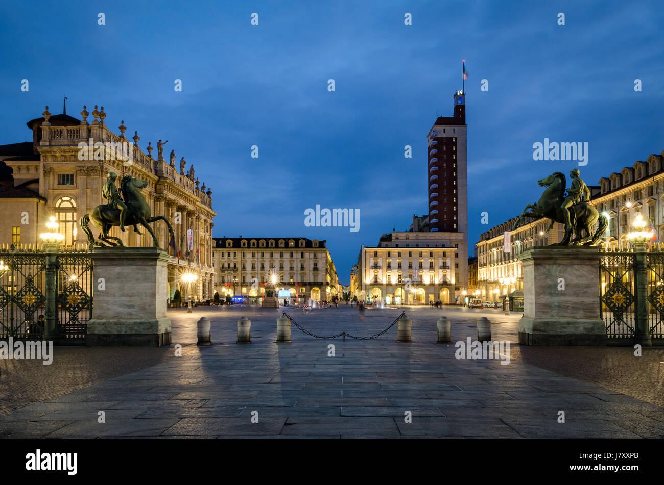 Torino Piazza Castello Foto de stock