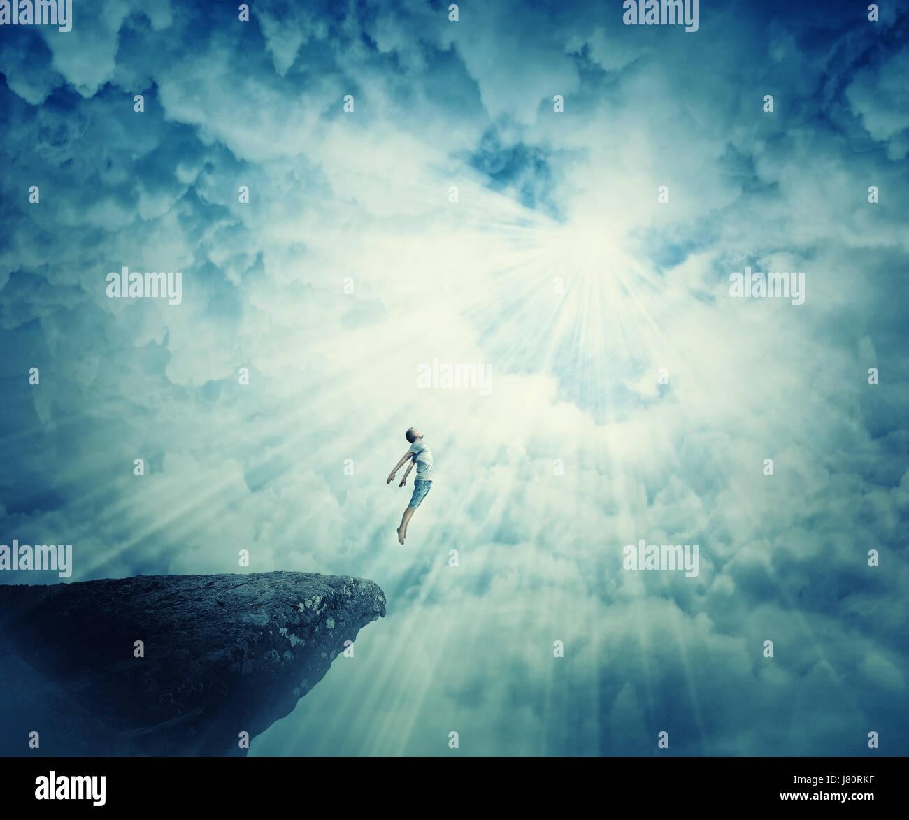 Joven viaje astral, estado de rapto místico psychokinesis condición. La energía del alma humana show Imagen De Stock